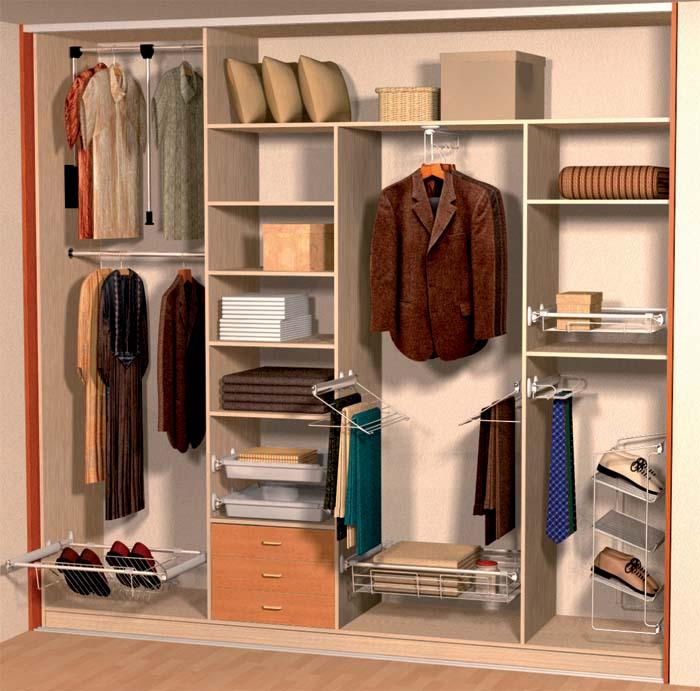 Igazán látványos akkor lesz a terv, ha be is tudunk pakolni a szekrénybe, ruhákat, cipőket, dobozokat stb.