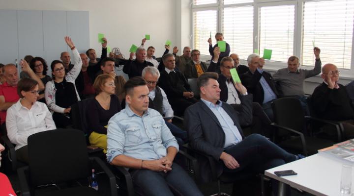 oafsz-kozgyules-041-kk-szavazas-az-elnokseg-tagjairol-lead